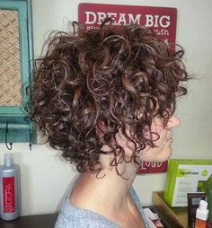 Gorgeous Short Curly Hair Ideas You Must See Cheveux courts bouclés Short Curly Hairstyles For Women, Curly Hair Styles, Haircuts For Curly Hair, Curly Hair Cuts, Hair Styles 2016, Cool Hairstyles, Curly Short, Hairstyle Ideas, Short Haircuts
