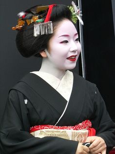 Geisha Japanese Geisha, Japanese Beauty, Vintage Japanese, Japanese Art, Asian Beauty, Japanese Style, Korean Hanbok, What A Wonderful World, Hanfu