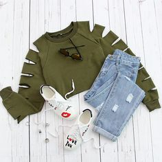 Short leeve too cold and long sleeve too ordinary? Cut out sleeve must be the best! #Armygreen #Ladder #Sweatshirt