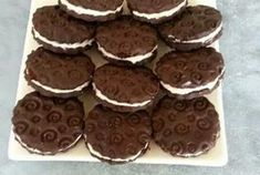 Oreo homemade with Thermomix, easy and simple recipe to realize your … - Recipes Easy & Healthy Biscuit Oreo, Cake Factory, Thermomix Desserts, Cookie Do, Cookies Policy, Simple, Easy Meals, Food And Drink, Homemade