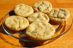 Shaun T's OATMEAL and PEANUT BUTTER RICOTTA COOKIES. Makes 5 cookies serving) 1 tbsp natural peanut butter cup old-fashioned oats cup reduced-fat ricotta cheese 2 packets (or to taste) Stevia tsp baking powder tsp flaxseed 1 egg white Dash of cinnamon Healthy Desserts, Just Desserts, Delicious Desserts, Yummy Food, Healthy Recipes, Diet Recipes, Diabetic Desserts, Healthy Cookies, 100 Calories
