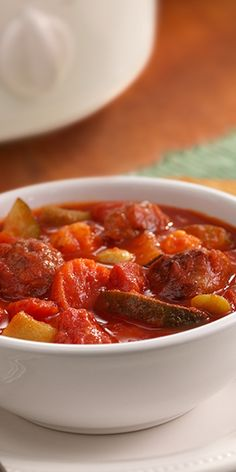Well-seasoned Italian sausage with vegetables in a chunky tomato sauce