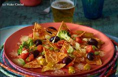 Tortilla-Chips mit Gemüse und Käse Guacamole, Tortilla, Tex Mex, Tacos, Mexican, Ethnic Recipes, Food, Easy Meals, Cooking
