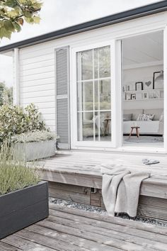 An impression of a wooden terrace (still) without a pergola / veranda. Outside Living, Outdoor Living, Houses Architecture, Patio Interior, Interior Doors, Modern Interior, Nordic Design, My Dream Home, Decks
