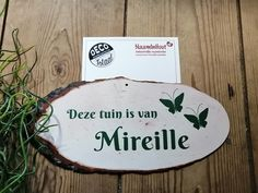 #houtlook #tuinbord #naambord #vlinder #tekstbord #schors Place Cards, Place Card Holders