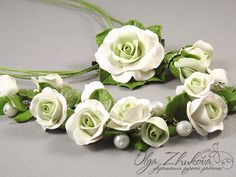 jewelry set with white roses