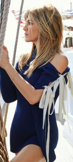 Jennifer Aniston's Ribbon Tie Dress by Monse                                                                                                                                                                                 Más