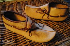 Turn shoes (Hedeby Type 10) by Asrun/Viking Handcraft