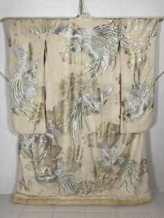 KM182 Vintage Japanese Furisode Wedding Kimono by Budgetkimono
