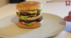 LA RECETTE DU BIGMAC FAIT MAISON Kfc, Bagel, Hamburger, Cooking, Ethnic Recipes, Food, Crispy Chicken, Ground Meat, Fish Finger