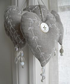 Linen hearts by Sue McLoughlin Valentine Decorations, Valentine Crafts, Christmas Crafts, Sewing Crafts, Sewing Projects, Fabric Hearts, Lavender Bags, Heart Crafts, Craft Gifts