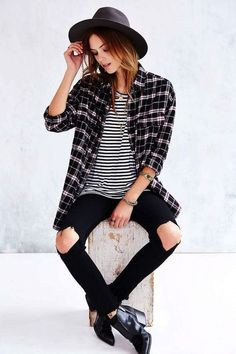 grunge ripped jeans+casual shirt = stunning street look <3