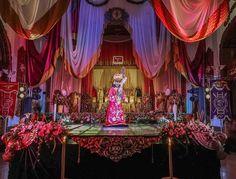 Así luce Jesús de Candelaria en su Solemne Velación en la celebración del Centenario de Consagración con la túnica que usara en su Consagración en 1917. #CentenarioDeConsagración #CucuruchoEnGuatemala  Foto: Página Oficial de @cristoreycande