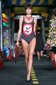 A look from the Moschino spring/summer 2016 show during Milan Fashion Week. (Photo: Regis Colin Berthelier/Nowfashion)