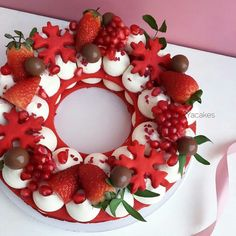 Xmas Food, Christmas Sweets, Christmas Cooking, Noel Kahn, Cake Cookies, Cupcake Cakes, Alphabet Cake, Cake Lettering, Christmas Cake Designs