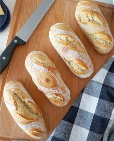 Baguettes Café de Paris :: Bella-cooks-and-travels Baguette Recipe, Italian Style, Snacks, Bread Recipes, Bakery, Food Porn, Cooking, Stollen, Easy