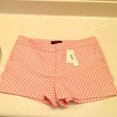 NWT JCrew scalloped shorts Scalloped detail on pockets, brand new. Creme with Neon Pink polka dots J. Crew Shorts