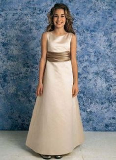 jr bridesmaid dresses. Your mini me could look cute in this.