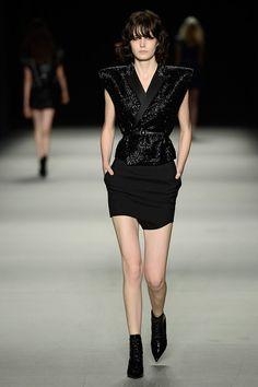 Lo más glam de la Semana de la Moda en París SS2014 Pasarela de Saint Laurent Primavera / Verano 2014