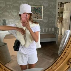 somewhere at a public toilet Fashion 2020, Look Fashion, Fashion Outfits, Lolita Fashion, Spring Summer Fashion, Autumn Fashion, Style Summer, Teenager Fashion Trends, Summer Outfits