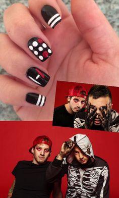Twenty Øne Piløts Blurryface nail art