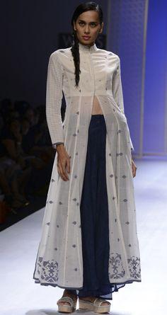 Ivory jamdani long dress by RAHUL MISHRA. http://www.perniaspopupshop.com/wills-fashion-week/rahul-mishra #fashionweek #willslifestyleindiafashionweek