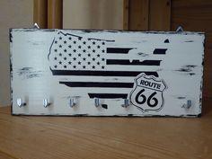 """Hakenleisten - Schlüsselbrett, """"Route 66"""", schwarz-weiß, - ein Designerstück von DekoHolzStube bei DaWanda"""