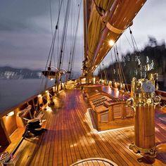 #yacht #yachts #yachting #yachtlife #lifestyle #yachtclub #yachtparty #yachtcharter #yachtworld #luxury #superyachts #sail #sailing #sailyachts #sea #ocean #sailingboat #boat #boating #boatlife #ship #vessel #maritime #regatta