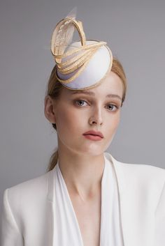 Straw Twist Percher from Sophie Beale Millinery Millinery Hats, Fascinator Hats, Fascinators, Headpieces, Hat For The Races, Dresses For The Races, Gold Outfit, Hat Blocks, Hat Stands