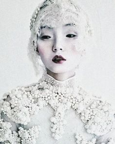 "deprincessed:"" Xiao Wen Ju wears Givenchy Haute Couture F/W 2011 in 'Magical Thinking' shot by Tim Walker for W March 2012 - scanned from Tim Walker: Storyteller"". Looks like a snow queen Foto Fashion, Fashion Art, Couture Fashion, High Fashion, Fashion Beauty, Tim Walker Photography, Mode Editorials, Fashion Editorials, Couture Details"