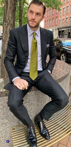12 Useful Tips about Men's Fashion – Designer Fashion Tips Latest Mens Fashion, Mens Fashion Shoes, Fashion Suits, Men's Fashion, Fashion Trends, Dapper Gentleman, Gentleman Style, Mens Patent Leather Shoes, Moda Formal