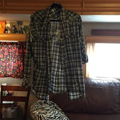 Rock Wrangler long sleeve top NWOT!!! Plaid black and white with yellow skull on the back size XL , can be worn as long sleeve or short sleeve with button snaps, snaps up front and at sleeves!!  Rock Wrangler Tops Tees - Long Sleeve