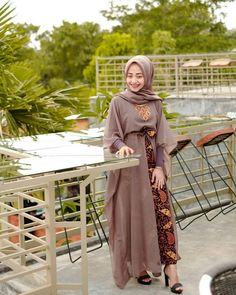 Kebaya Muslim, Muslim Dress, Couple Outfits, Dress Outfits, Dress Up, Modest Fashion, Fashion Outfits, Womens Fashion, Kebaya Dress