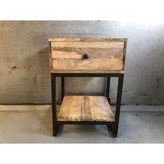 Nachtkastje, bijzettafeltje hout met metalen poten 45x40H66cm
