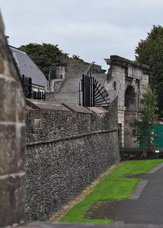 Derry is one of the oldest cities in Ireland, so wherever you wander in this ancient city, you are never too far from a little bit of history. It is the only remaining completely walled city in all of Ireland.  ڿڰۣ (Northern Ireland)