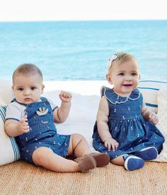 Excellent baby arrival detail are offered on our web pages. Read more and you wont be sorry you did. Cute Baby Twins, Twin Baby Boys, Cute Little Baby, Baby Kind, Twin Babies, Baby Baby, Boy Girl Twin Outfits, Boy Girl Twins, Kids Outfits