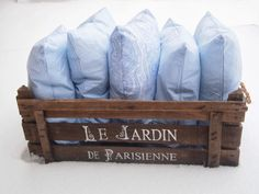 parizankounavikend: Sneh a modrá