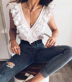 42 Casual Chic Spring Women Outfits You Should Try, , , Summer Fashion Trends, Summer Fashion Outfits, Spring Outfits, Casual Outfits, Cute Outfits, Spring Fashion, Casual Chic, High Waisted Denim Jeans, High Jeans