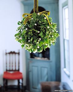 mistletoe ball #decor #NapaValleyHoliday