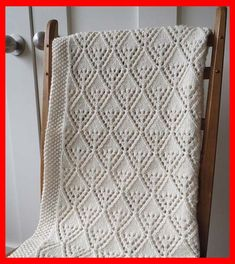 Cozy Luxe Baby Blanket - Free Knitting Pattern Cozy Luxe Baby Blanket – Free Knitting Pattern Source by Easy Blanket Knitting Patterns, Knitting Patterns Uk, Knitting Stitches, Baby Patterns, Knitting For Kids, Knitting For Beginners, Free Knitting, Knitting Projects, Knitting Ideas