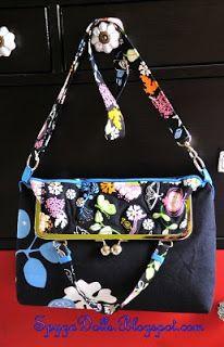 Bolso Daily Bag  Colección Primavera  Colección Primavera de SpygaDolls   Este modelo de bolso con boquilla metálica en color plata se pued...