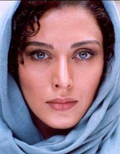 Pretty Eyes of Mahtab Keramati Iranian Actors, Iranian Women, Iranian Beauty, Turkish Beauty, Beautiful Eyes, Beautiful People, Naher Osten, Persian Beauties, Beautiful Muslim Women