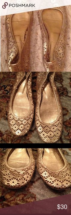 J Crew Gold Perforated Leather Ballet Flats NWOB J Crew Gold Perforated Leather Ballet Flats NWOB. Size 7.5. Made in Italy.  Reasonable offers Accepted. Please feel free to make offers.  It is a very rare jcrew ballet flat. J Crew Shoes Flats & Loafers