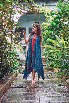 Buy Rose Print dress Pakistani Dresses, Indian Dresses, Indian Outfits, Stylish Dresses, Simple Dresses, Casual Dresses, Kurta Designs Women, Blouse Designs, Ethnic Fashion