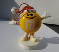 M/&M/'S M/&M ROCK STARS YELLOW SWEET CANDY DRUM PLAYER MOVING BODY AND MAKES SOUND