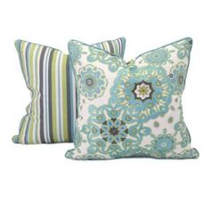 65317 - Essentials Reflective Pillow