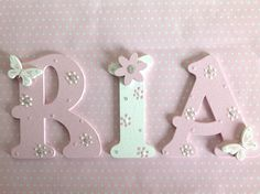 Details about Personalised Wooden Letter Children Kids Baby Boy Girl Christmas Birthday Gift - Wood Letters Wooden Letter Crafts, Wooden Alphabet Letters, Diy Letters, Letter Wall, Wood Letters Decorated, Painting Wooden Letters, Painted Letters, Hand Painted, Decorating Wooden Letters