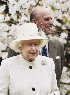 The Queen, Prince Philip and Prince William at the Windsor Greys statue. March 31, 2014
