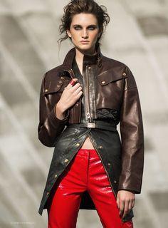 Carly Moore | Harper's Bazaar Ucránia Outubro 2016 | Editoriais - Revistas de Moda