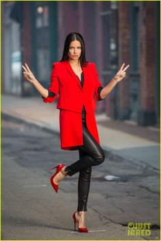 adriana lima gigi hadid maybelline commercial 01 Adriana Lima is red hot while shooting an advertisement for Maybelline on Tuesday (April 21) in New York City.    The 33-year-old Brazilian supermodel was seen taking…